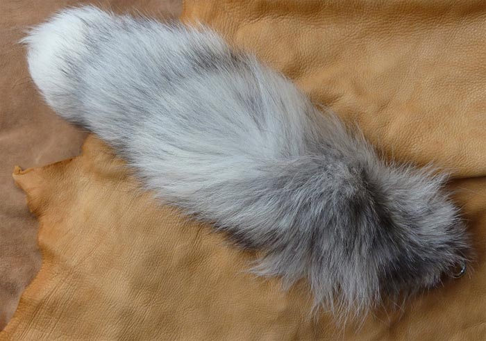 tie_hf_arctic_fox_tail_whole_lg